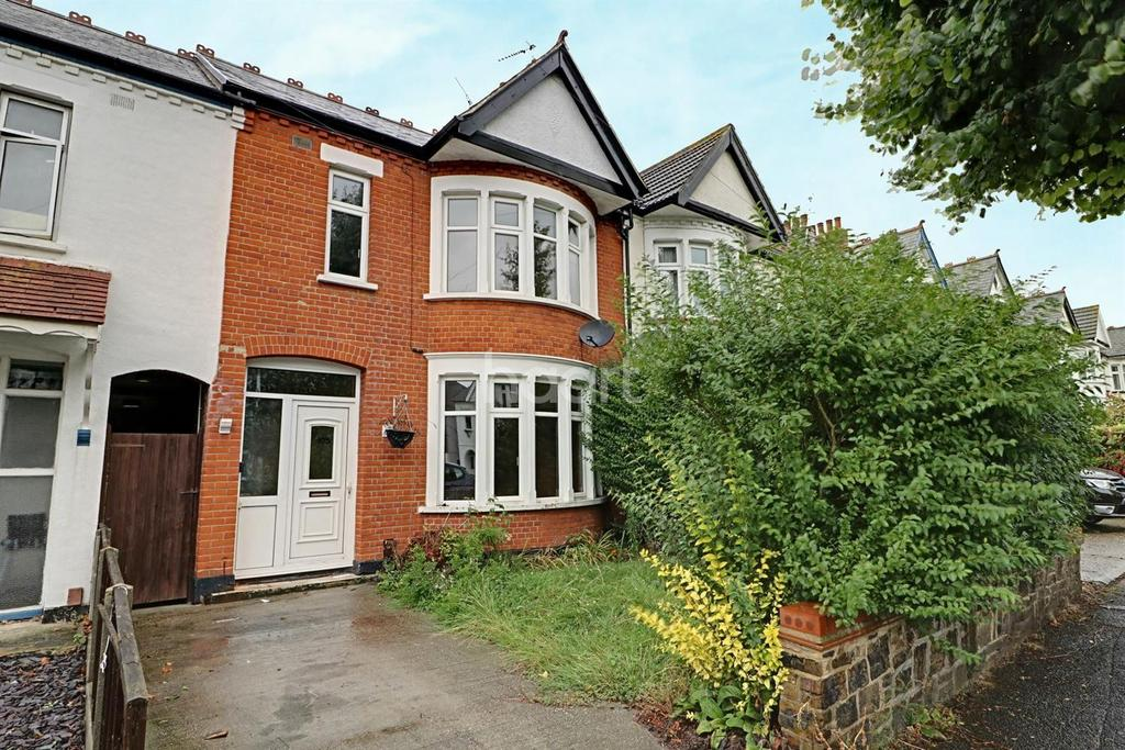 4 Bedrooms Terraced House for sale in Sandringham Road, Southend On Sea.