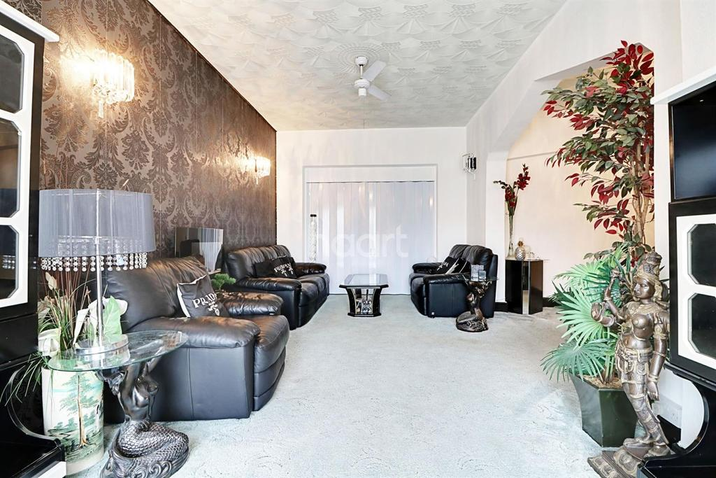 4 Bedrooms Semi Detached House for sale in Eton Avenue, Wembley