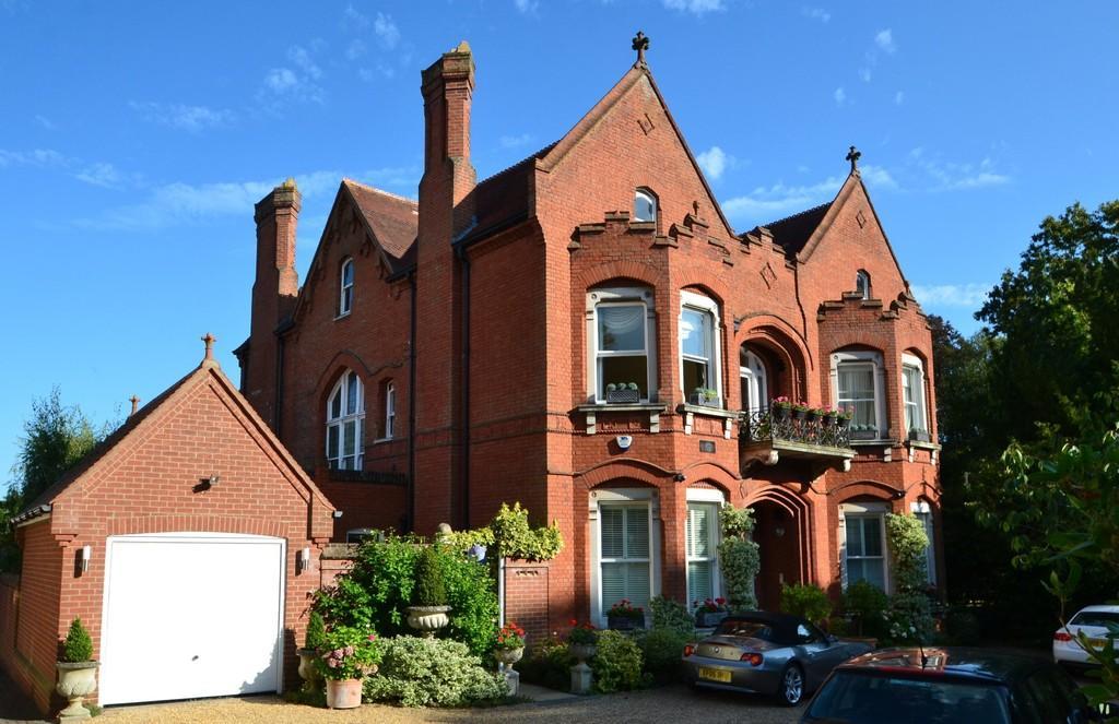 3 Bedrooms Apartment Flat for sale in 26B Westerfield Road, Ipswich, Suffolk, IP4 2UJ