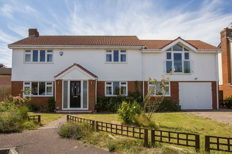 5 Bedrooms Detached House for sale in Whitcliffe Drive, Penarth