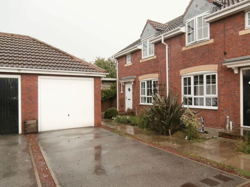 3 Bedrooms Terraced House for sale in Acasta Way, Hull