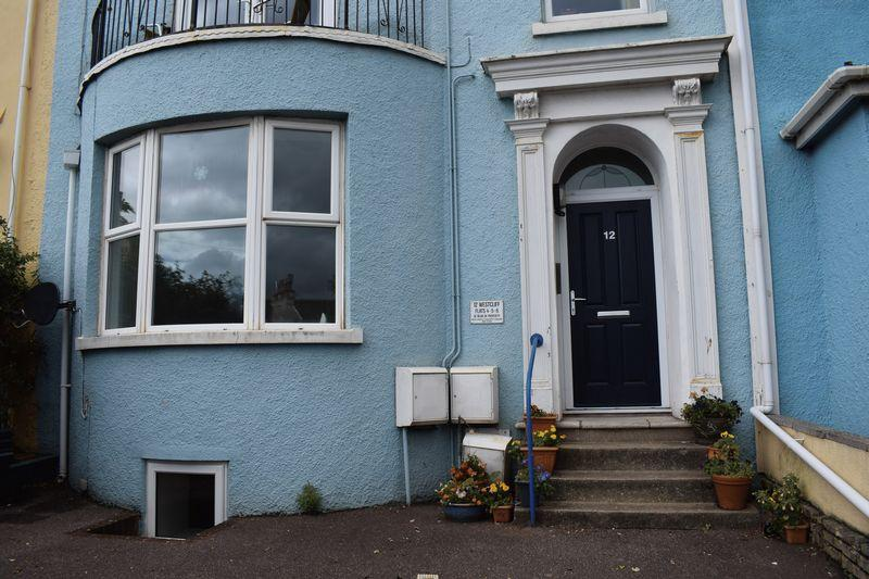 2 Bedrooms Flat for sale in West Cliff, Dawlish