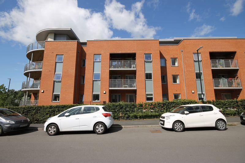 1 Bedroom Retirement Property for sale in Corbett Court, The Brow, Burgess Hill, West Sussex