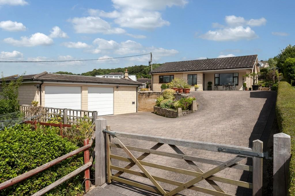 2 Bedrooms Detached Bungalow for sale in Upper Ley, Box, Corsham