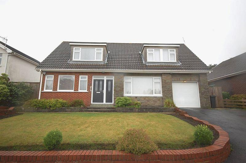 4 Bedrooms Detached Bungalow for sale in 3 Highfield Close, Rhyddings, Neath, SA10 8DS