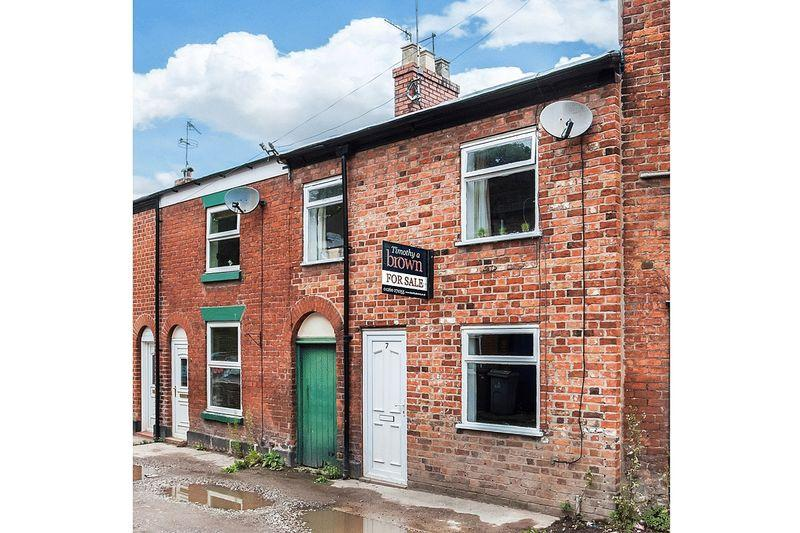 2 Bedrooms Terraced House for sale in Lower Park Street, Congleton