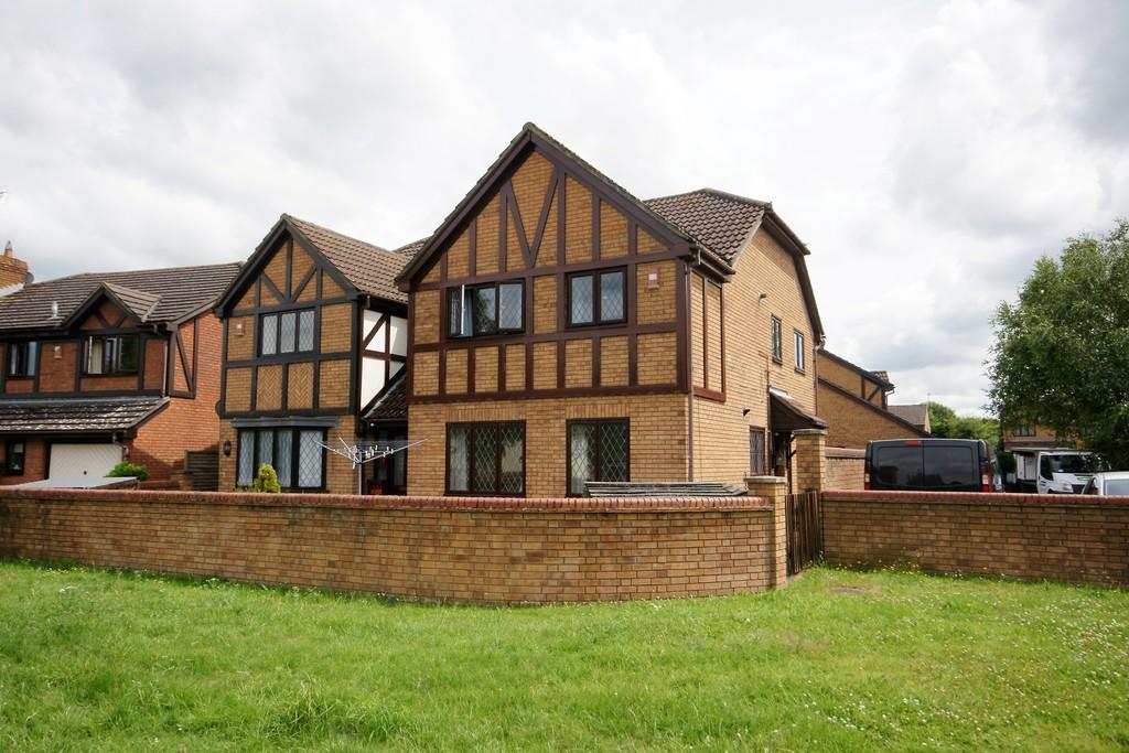 2 Bedrooms Apartment Flat for sale in Downs View, HOLYBOURNE, Hampshire