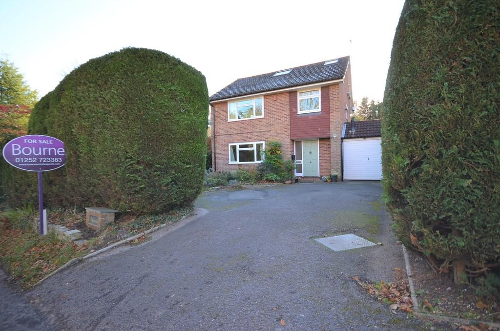 5 Bedrooms Detached House for sale in Burnt Hill Road, Lower Bourne