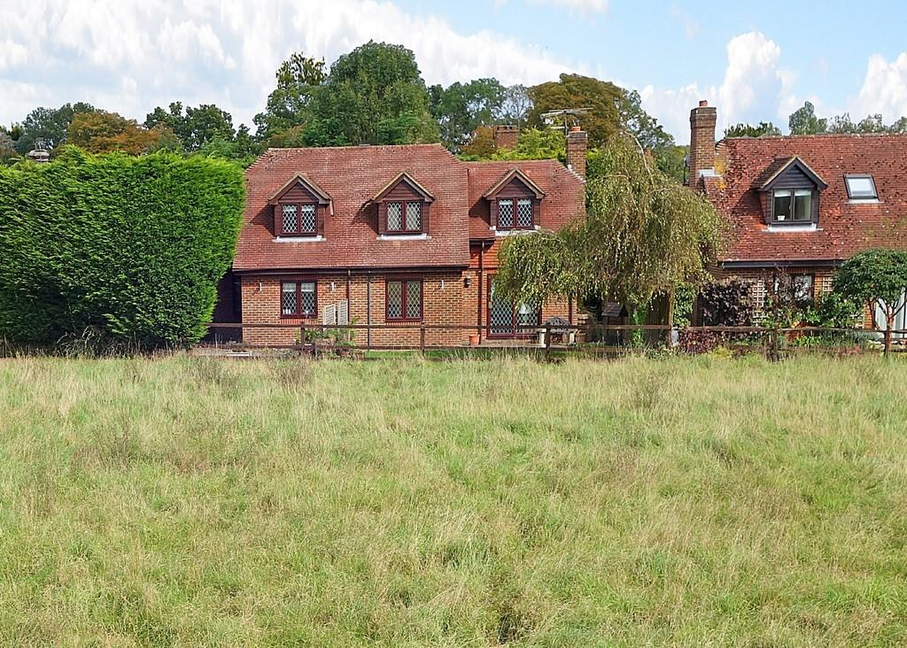 4 Bedrooms Detached House for sale in The Common, Dunsfold