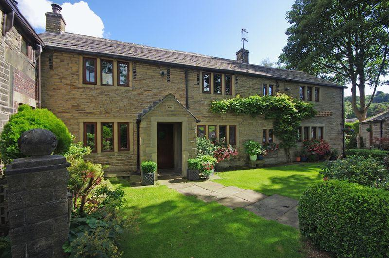 3 Bedrooms Cottage House for sale in White Acre, Old Bank, Ripponden