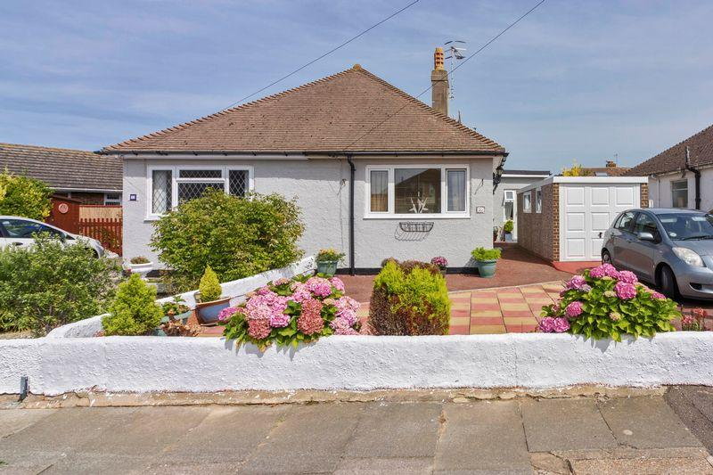 2 Bedrooms Bungalow for sale in The Drive, Lancing