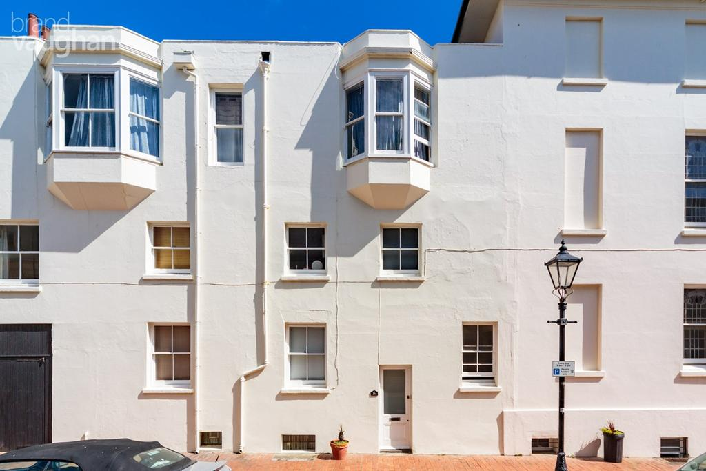 Studio Flat for sale in Lansdowne Place, Hove, BN3