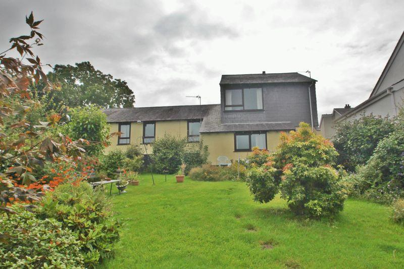 3 Bedrooms Detached House for sale in Caernarfon, Gwynedd