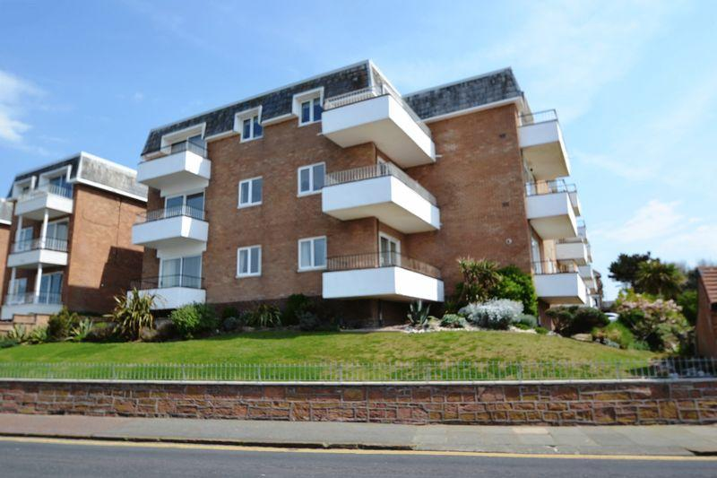 2 Bedrooms Apartment Flat for sale in South Parade, West Kirby