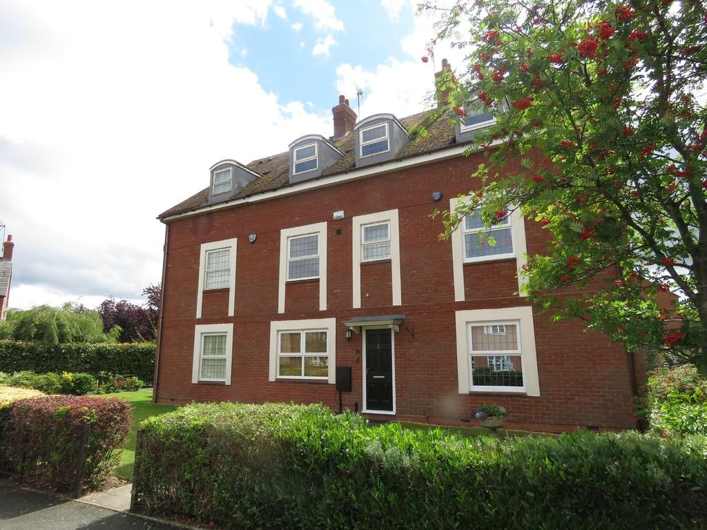 4 Bedrooms Town House for sale in Tythe Barn Lane, Dickens Heath