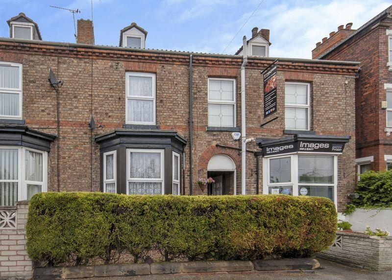 4 Bedrooms Terraced House for sale in London Road, Retford