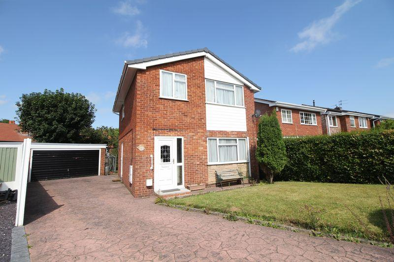 3 Bedrooms Detached House for sale in Buckingham Avenue, Wirral