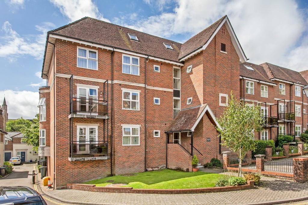 2 Bedrooms Flat for sale in Marston Gate, Winchester, SO23