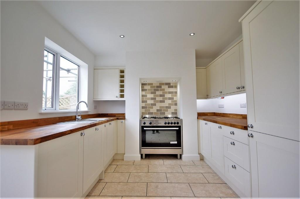 3 Bedrooms Cottage House for sale in Saxilby Road, Sturton By Stow