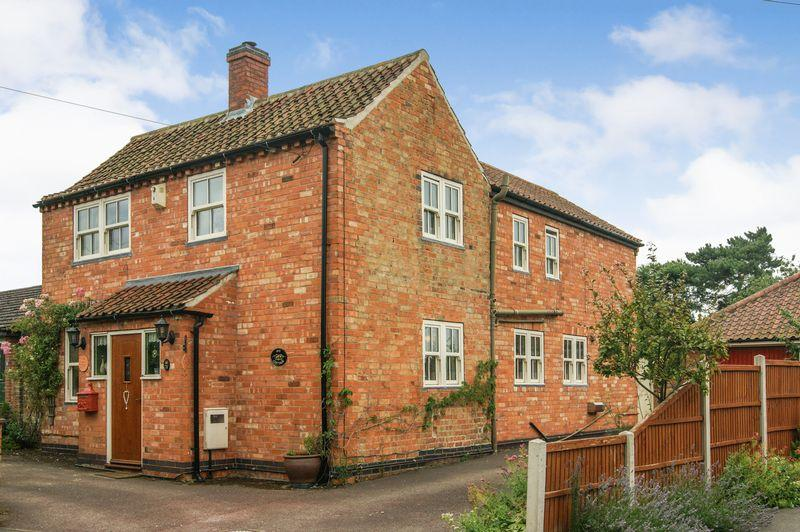 3 Bedrooms Detached House for sale in Pinfold Lane, Balderton