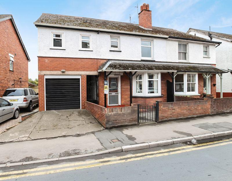 5 Bedrooms Semi Detached House for sale in Newtown Road