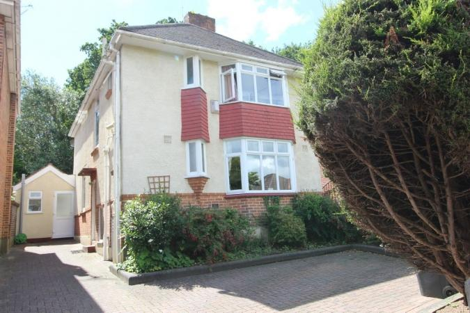 4 Bedrooms Detached House for sale in Normanhurst Avenue , Queens Park