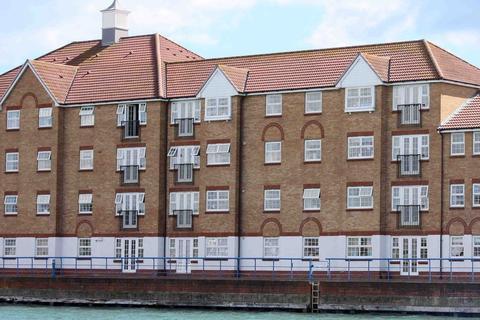 2 bedroom flat to rent - Watersedge, Shoreham by Sea