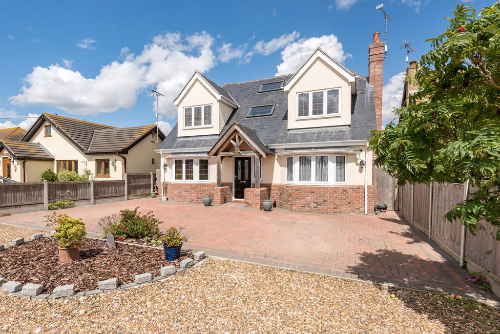 4 Bedrooms Detached House for sale in St. Lawrence, Southminster