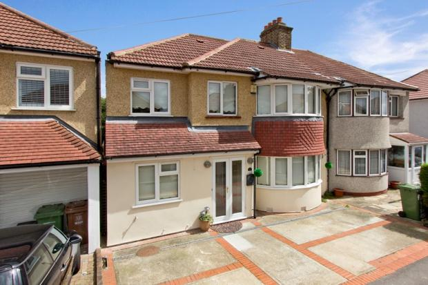 6 Bedrooms Semi Detached House for sale in Saltash Road, Welling, DA16