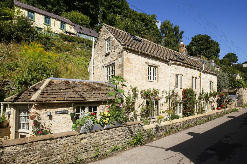 4 Bedrooms Cottage House for sale in High Street Chalford, Stroud