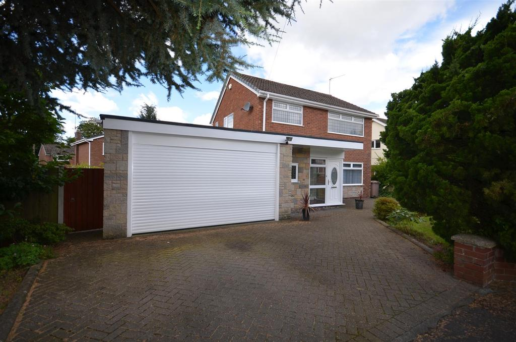 3 Bedrooms Detached House for sale in 1 Sandon Grove, Rainford