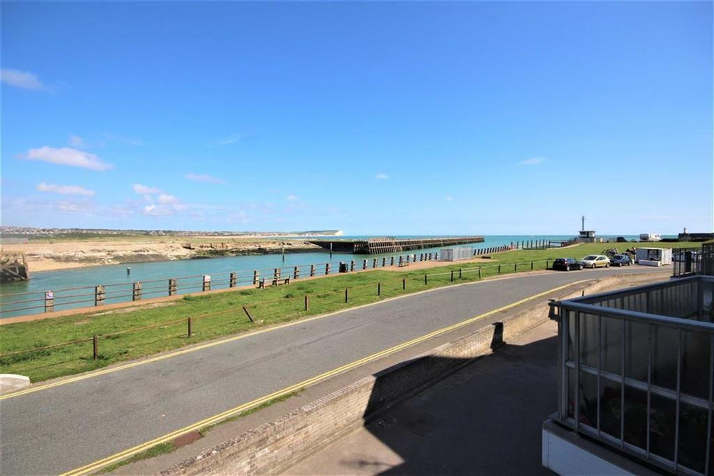 2 Bedrooms Flat for sale in Fort Road, Newhaven