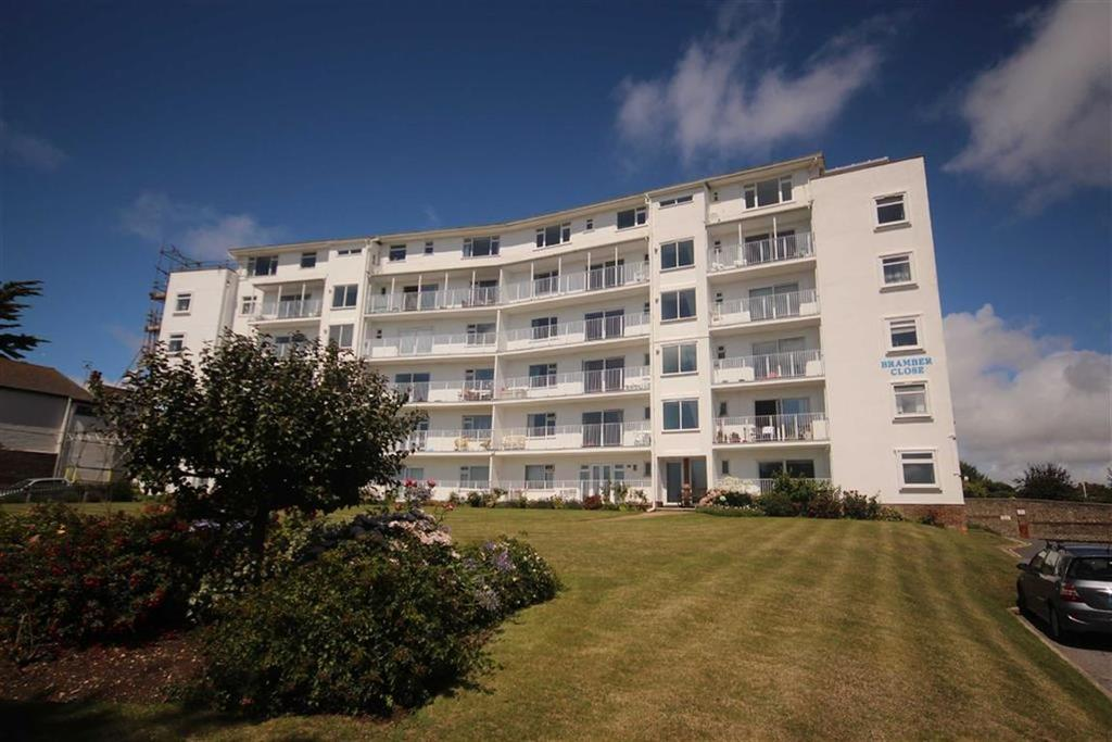 3 Bedrooms Flat for sale in Bramber Close, Crooked Lane, Seaford