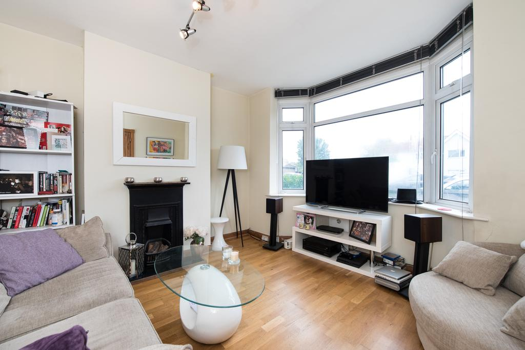 2 Bedrooms Flat for sale in Greenford Road, Greenford