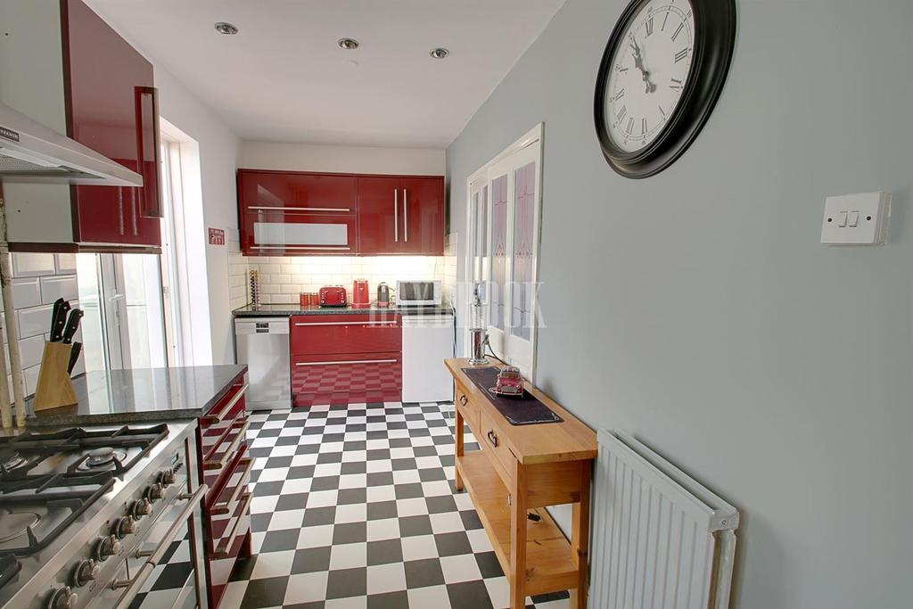 2 Bedrooms Semi Detached House for sale in Jaunty View, Basegreen, S12