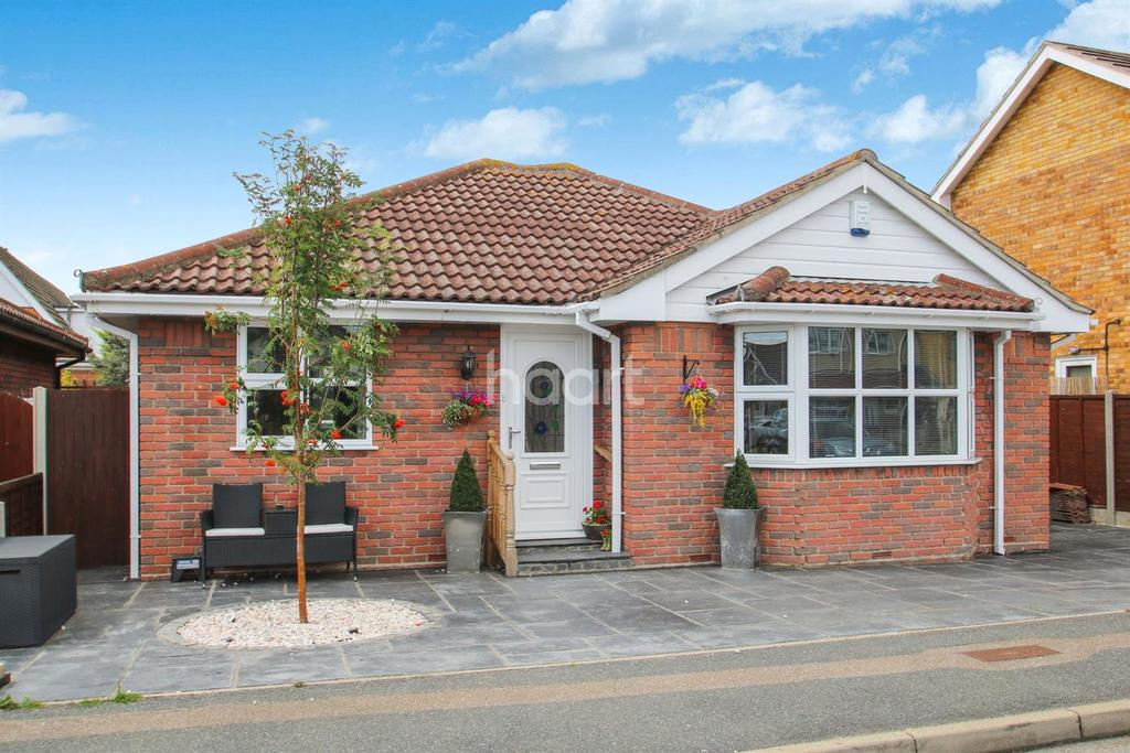 2 Bedrooms Bungalow for sale in Canvey Island