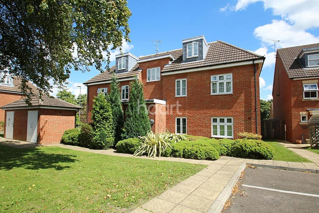 2 Bedrooms Flat for sale in Turner Avenue, Biggin Hill