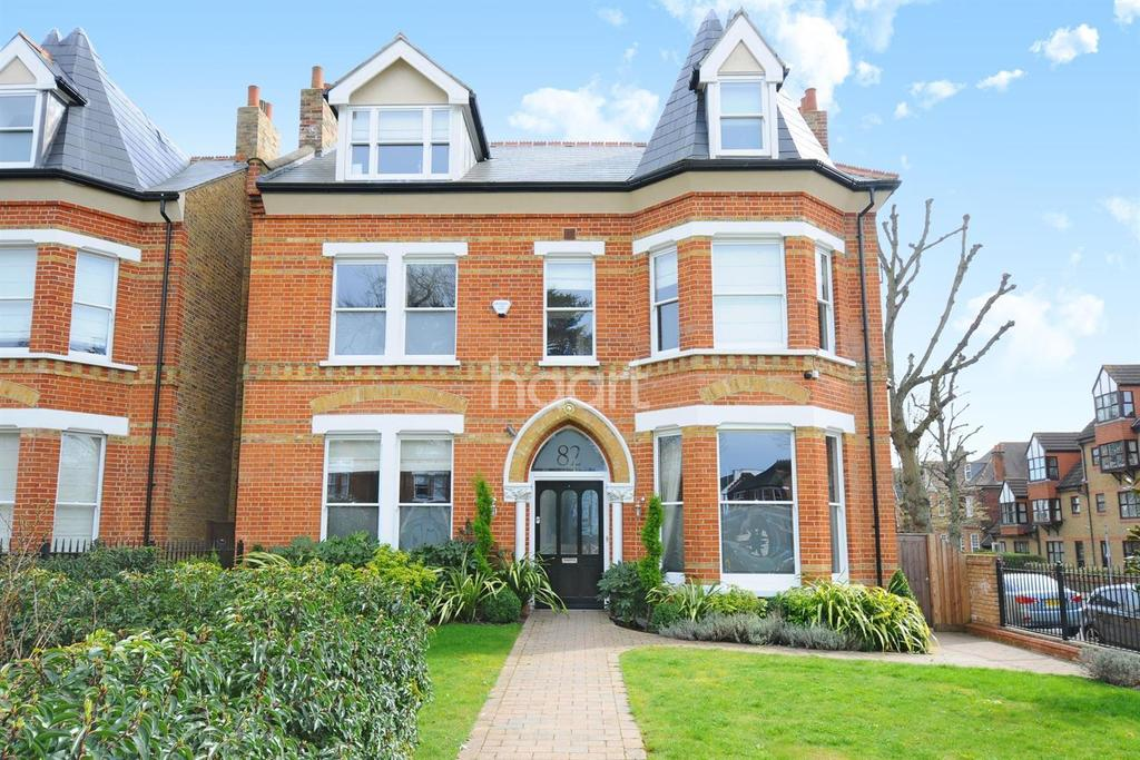 6 Bedrooms Detached House for sale in Mattock Lane, Ealing