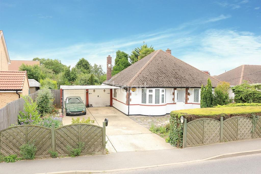 3 Bedrooms Bungalow for sale in Brays Lane, Ashingdon