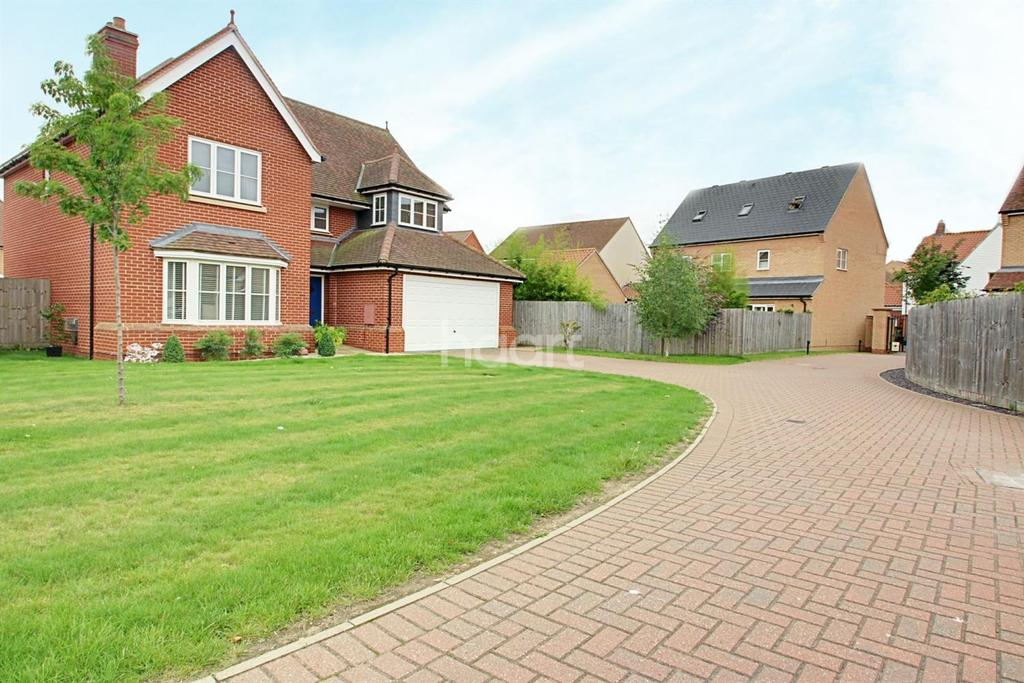 4 Bedrooms Detached House for sale in Hering Drive, Heybridge, CM9