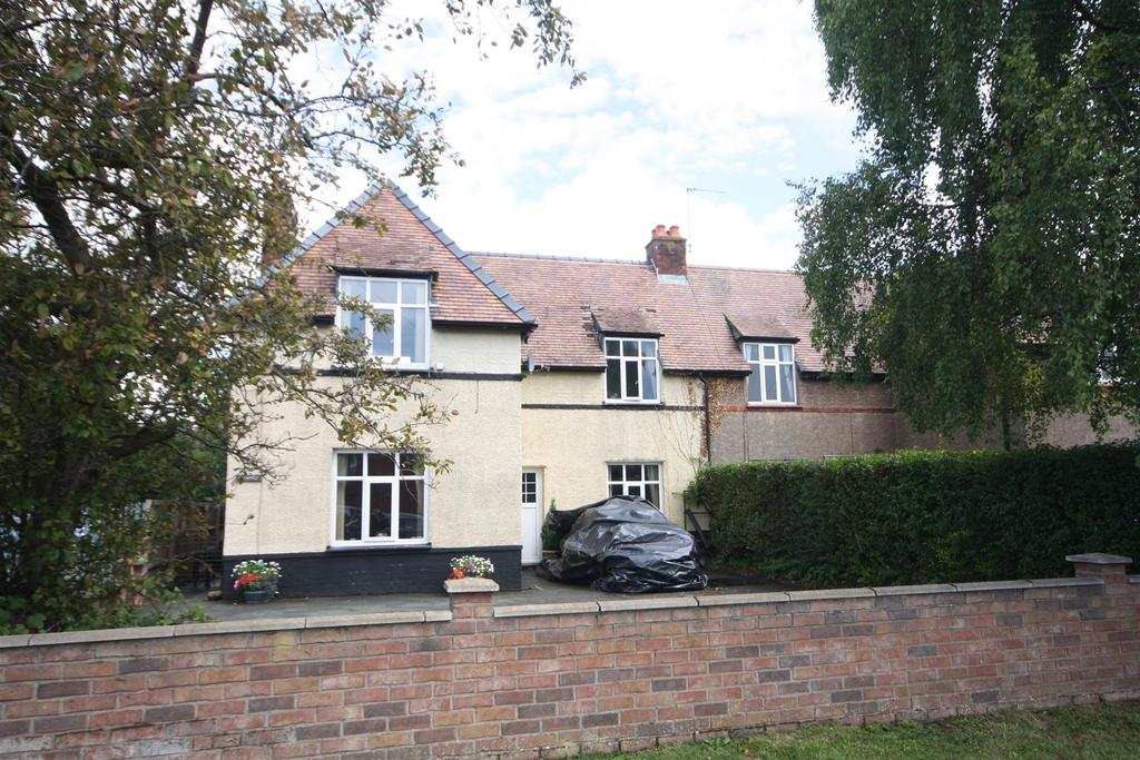 3 Bedrooms Semi Detached House for sale in By Pass Road, Gobowen, Oswestry