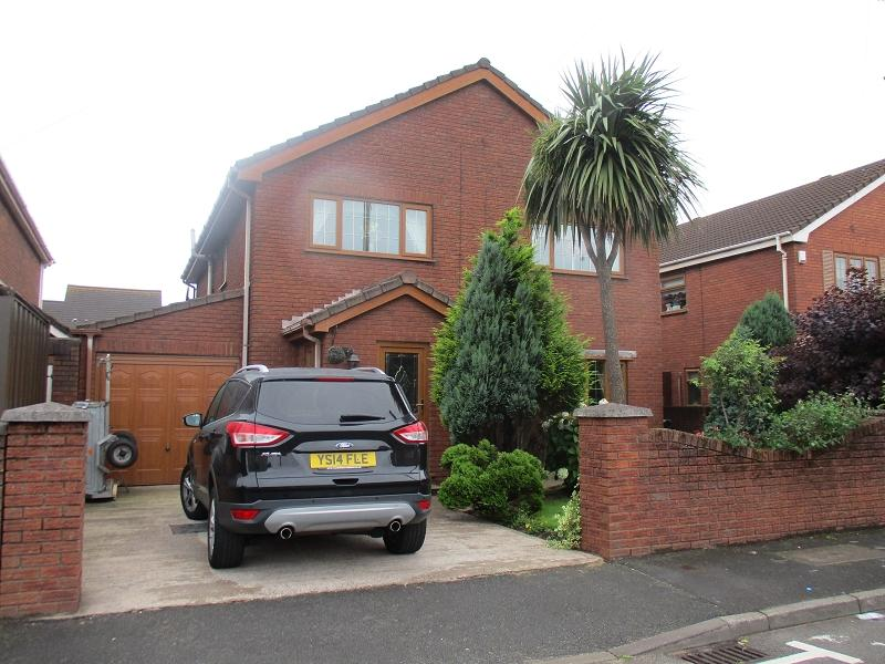 4 Bedrooms Detached House for sale in Sitwell Way, Port Talbot, Neath Port Talbot.