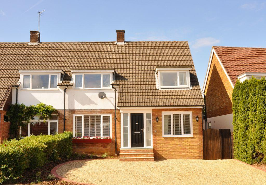 3 Bedrooms Semi Detached House for sale in Barnfield Road, St. Albans, AL4
