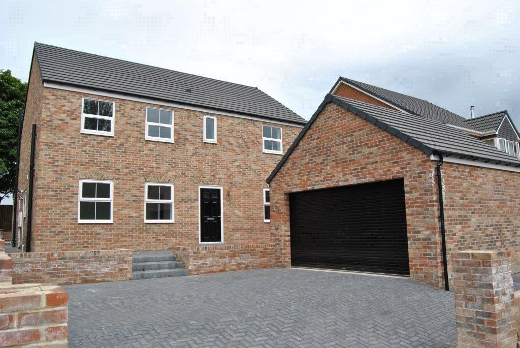4 Bedrooms Detached House for sale in Dairy Houses, Littlethorpe, Peterlee, Co.Durham, SR8
