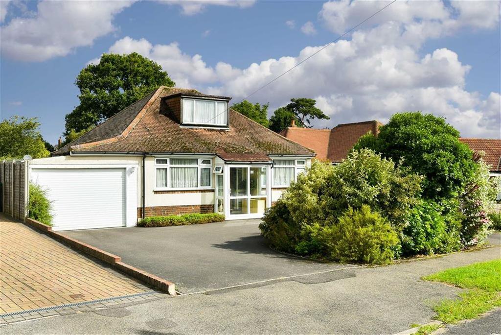 3 Bedrooms Detached Bungalow for sale in Waterer Gardens, Tadworth, Surrey