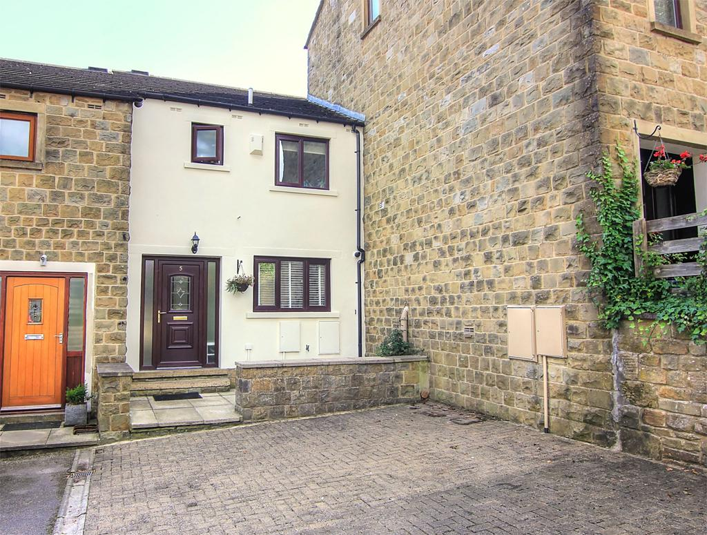 3 Bedrooms Town House for sale in 5 Pine Close, Skipton,