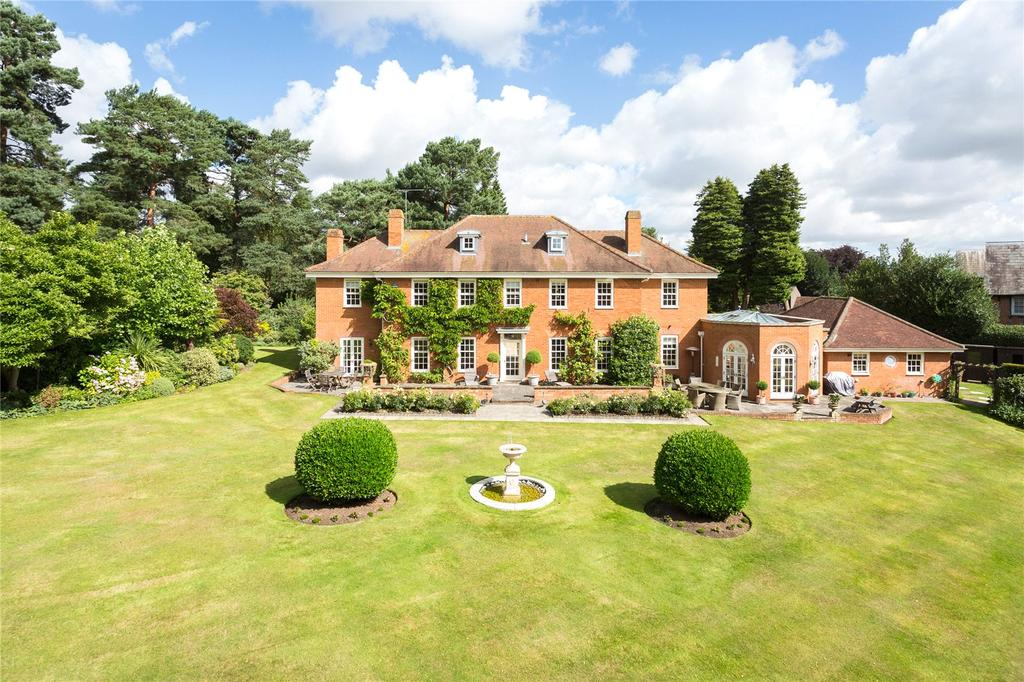 6 Bedrooms Detached House for sale in Aspley Guise, Bedfordshire, MK17
