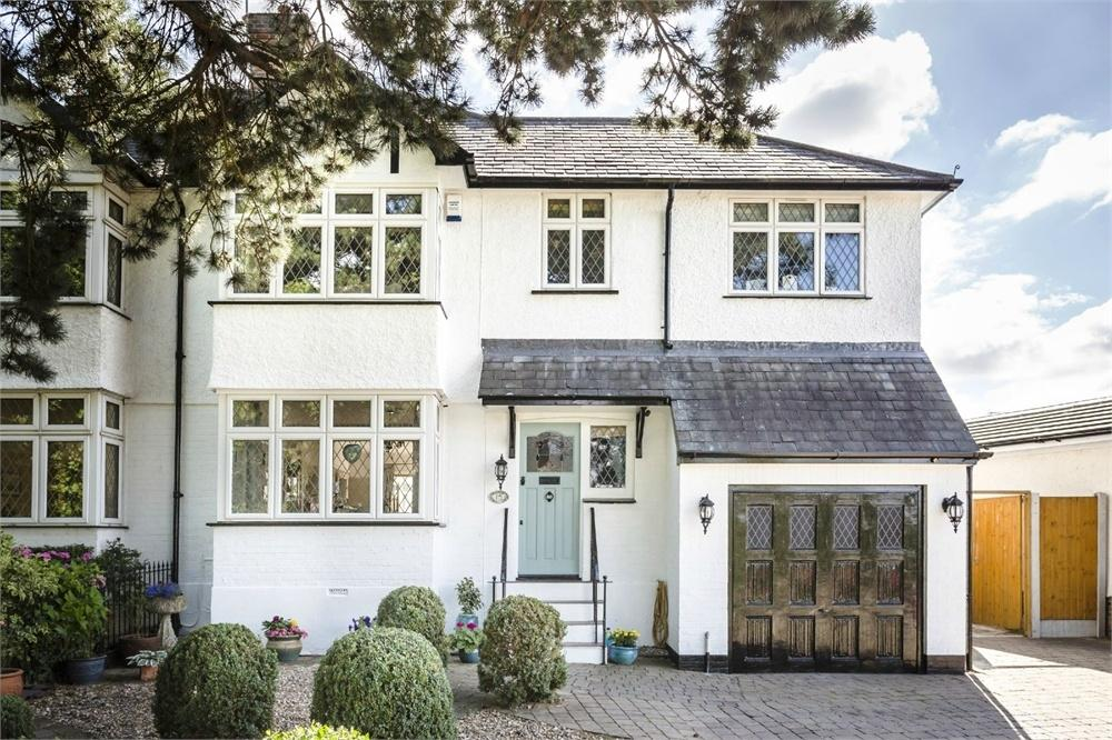 4 Bedrooms Semi Detached House for sale in Crescent Road, BISHOP'S STORTFORD, Hertfordshire