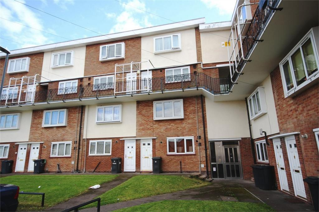 2 Bedrooms Flat for sale in Cadman Close, Bedworth, Warwickshire