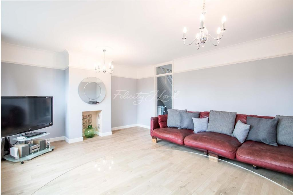 3 Bedrooms Flat for sale in Ronald Street, Stepney, E1